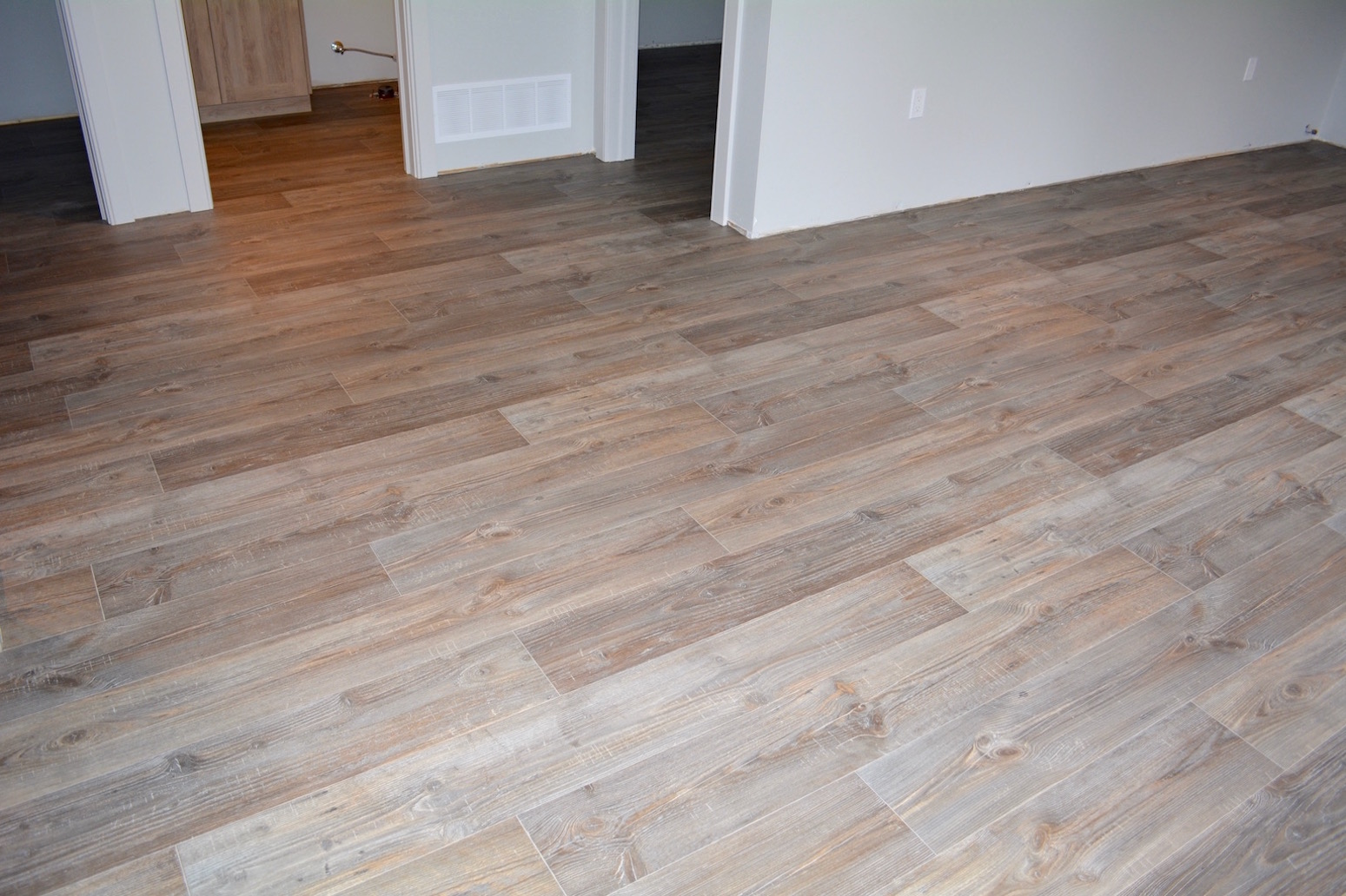 Muskoka 10 flooring solutions muskoka flooring tile for Flooring solutions